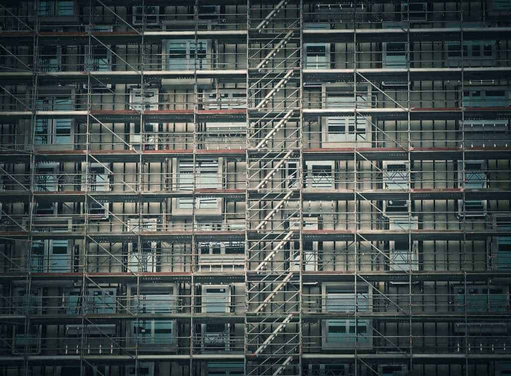 Scaffolding for houses full hight block of flats